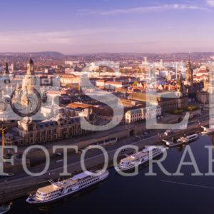 Dresden – Panorama vom Königsufer mit Silhouette der Altstadt - SEB Fotografie
